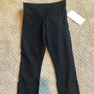 Brand new lululemon wunder under pant size 4 black